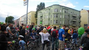 Fahrrad-Skater-Demonstration Vernunft statt Beton! A100 stoppen! am 26.8.2012 in Berlin - Kundgebung an der Elsenbrücke in Treptow