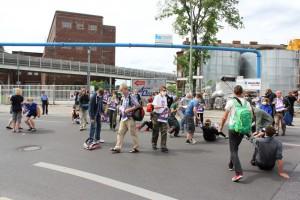 Der Flashmob A100 stoppen! Wir legen uns quer! beginnt
