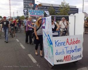 """Demo Fünf Jahre Bürgerentscheid """"Spreeufer für alle!"""" am 13.7.2013: Wagen des Aktionsbündnis A100 stoppen!"""