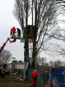 Demontage des Baumhaus gegen A100