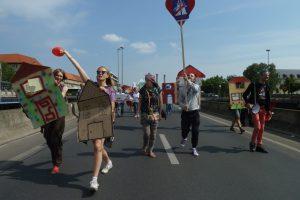 Flashmob Wohnen statt Autobahn, A100 stoppen! am Sonntag 9.7.2017