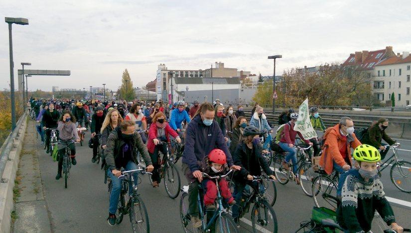 Das war die Fahrraddemo A100 stoppen! DanniBleibt auf der Berliner Stadtautobahn am 14.11.2020