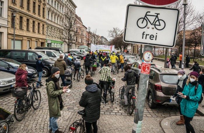 Demo Freie Fahrt für die Verkehrswende am Ostkreuz